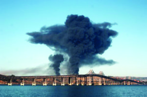 As the Chevron refinery fire of Aug. 6, 2012, raged, this mushroom cloud hanging over Richmond spread toxic air pollution that sent 15,000 people to the hospital. – Photo: Harrison Chastang