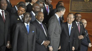 Zimbabwean President Robert Mugabe, front left, poses with other leaders at the annual African Union summit in Addis Ababa, Ethiopia, on Jan. 30, 2015. – Photo: Elias Asmare, AP