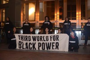 Third-World-Resistance-ReclaimMLK-Oakland-Federal-Bldg-shutdown-4-hrs-28-min-011615-by-Critical-Resistance-300x200, Third World Resistance: Reclaiming the radical Dr. King to protest police and prisons, Local News & Views
