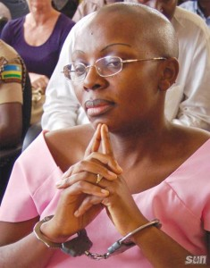 Dutch journalist Anneke Verbraeken was recently able to pay a brief visit to Rwandan political prisoner Victoire Ingabire, shown here in court. Verbraeken said that Ms. Ingabire remained strong and radiant and that she writes every day. Now, however, poor prison lighting is reported to be damaging her eyesight.