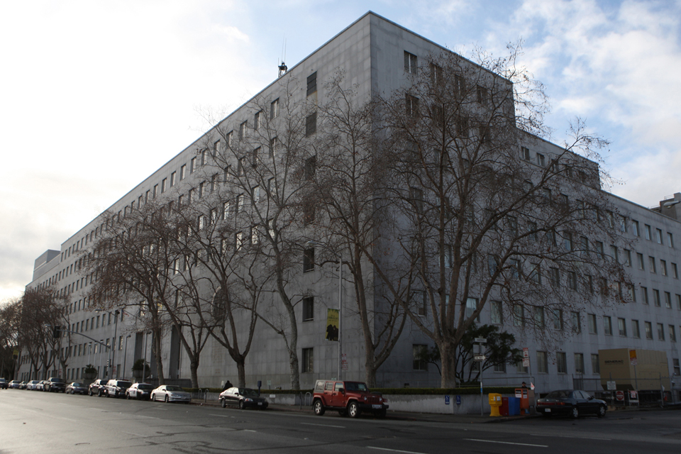 """The San Francisco County Jail occupies the upper floors of the Hall of Justice at 850 Bryant. San Francisco's sheriff, district attorney and police chief, as well as its elected public defender, said they are shocked to learn of """"gladiator fights"""" in the local jail. The fights are reminiscent a similar scandal in the state prison system in the 1990s. – Photo: Cindy Chew, SF Examiner"""
