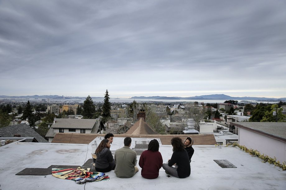 The UC Berkeley BSU Demands Committee meets on the roof of Afro House March 18 to plan strategy. Only 3 percent of Berkeley students are Black. – Photo: Carlos Avila Gonzalez, SF Chronicle