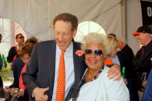 Giants CEO Larry Baer shares a laugh with Rochelle. – Photo: Harrison Chastang