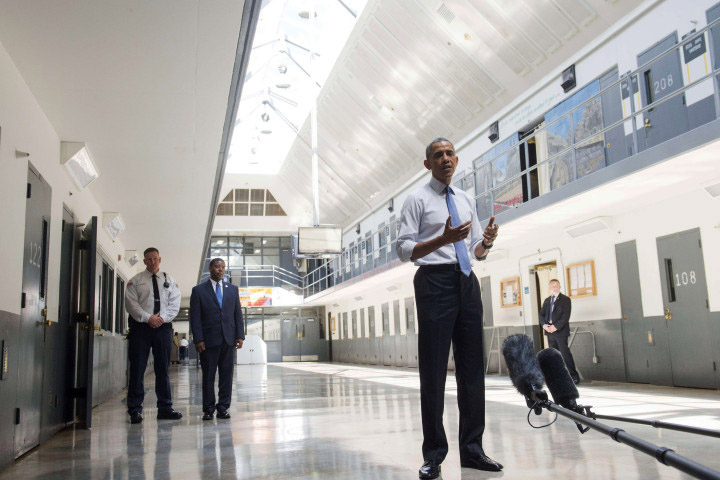 President-Obama-visits-FCI-El-Reno-Okla.-w-BOP-Director-Charles-Samuels-071615-by-NY-Post, The president comes to see about prisoners, Behind Enemy Lines