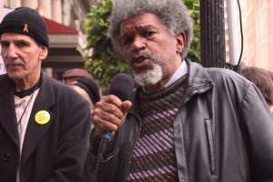 When Gerald Sanders speaks, people listen. Gerald, a longtime labor leader and member of the Labor Action Committee to Free Mumia Abu-Jamal, keynoted the protest. – Photo: Anka Karewicz