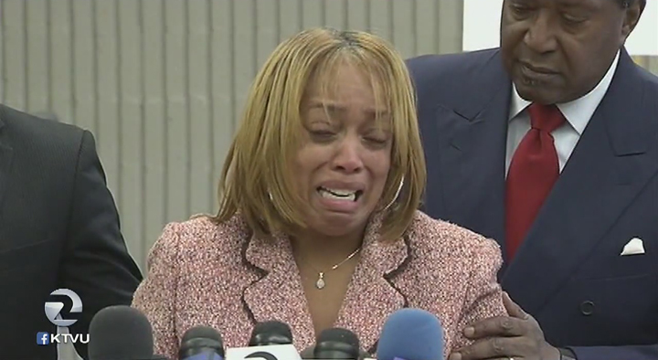 Mario-Woods-mother-Gwendolyn-Woods-cries-John-Burris-press-conf-121115-by-KTVU, Mario Woods' mother and attorney John Burris call for Department of Justice investigation and external review of SFPD, Local News & Views