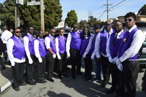 The pallbearers are Mother Jackson's son, grandsons and great-grandsons. – Photo: Patricia Winston