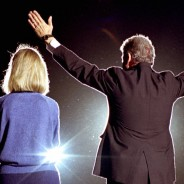 Hillary and Bill Clinton in 1992 – Photo: Reuters