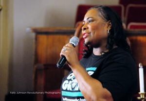 Wanda Johnson, mother of Oscar Grant, addressed the crowd. – Photo: Kelly Johnson Revolutionary Photography