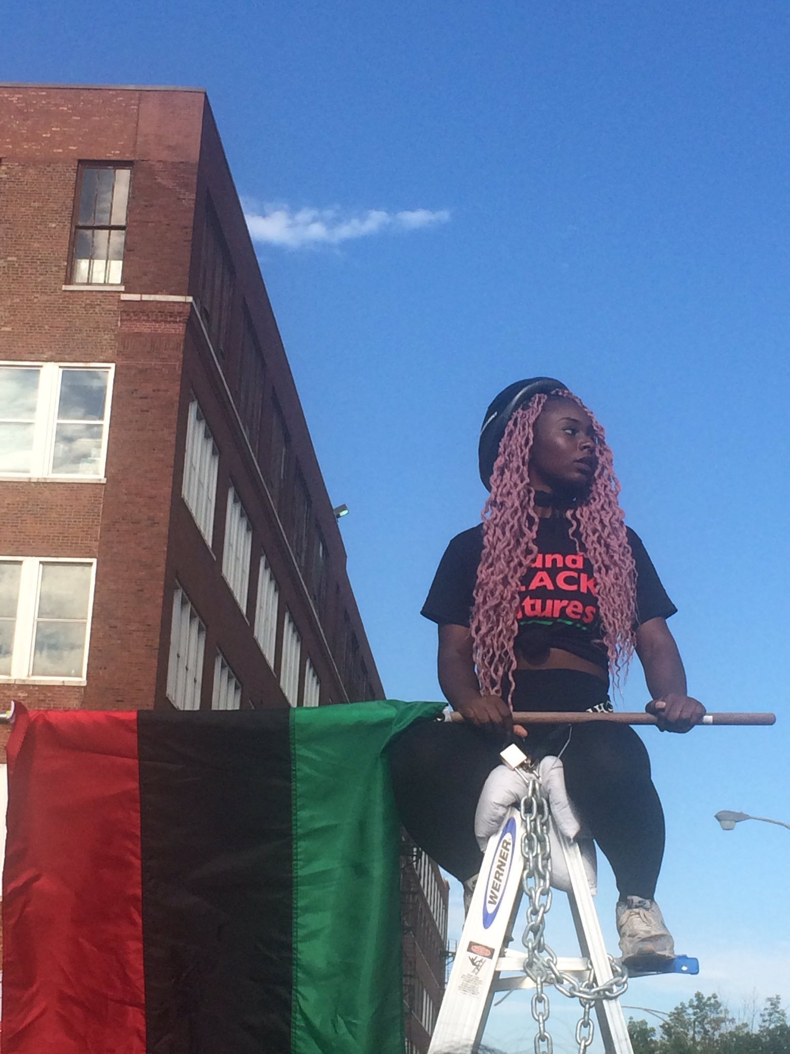 In Chicago, protesters against the Fraternal Order of Police chose to shut down Homan Square, the notorious old police warehouse, where for decades, under the direction of the infamous Lt. Jon Burge, police tortured people they detained. – Photo: @RicWilson, Twitter