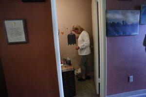 Kathryn-Lundgren-points-out-mold-in-downstairs-bathroom-040214-by-Lea-Suzuki-SF-Chron-300x200, Treasure Island whistleblowers face immediate retaliation from power broker consortium, Local News & Views