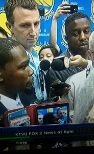 Lee Hubbard, Kevin Durant at introductory press conf 070716 by KTVU News