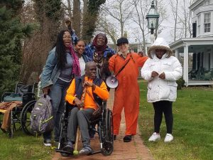 East-Coast-Stolen-Land-Tour-Laure-Anna-Red-Fox-Aunti-Frances-Tiny-Queena-in-front-of-Colonizer-Museum-Shinnecock-0417-by-PNN-300x225, Poor people on Park Avenue?, National News & Views