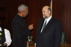 US-Ambassador-Perry-Holloway-presents-credentials-to-Guyana-President-David-Granger-1015-300x200, CARICOM deals a blow to US plans for regime change in Venezuela, World News & Views
