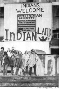 Alcatraz-occupation-Indians-Welcome-Indian-Land-1970-by-Vince-Maggiora-200x300, Dennis Banks, warrior for Indian rights, presénte, Culture Currents