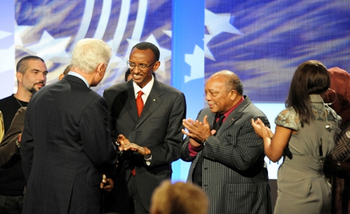 Kagame-gets-2009-Clinton-Global-Citizen-Award-from-Bill-Clinton-092409, Kagame's new Order of Thieves Without Borders: Neocolonial kleptocrats with Clinton connections, World News & Views