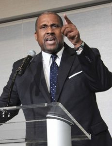 SF-NAACP-Gala-Tavis-Smiley-keynoter-110913-by-Lance-Burton-Planet-Fillmore-Communications-web-cropped-231x300, Opposition mounts to sexual harassment witch-hunt, National News & Views