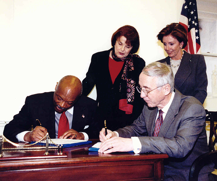 SF-Mayor-Willie-Brown-US-Navy-Secy-Gordon-England-sign-legislation-re-Hunters-Point-Treasure-Island-Naval-Base-as-Sen.-Feinstein-Rep.-Pelosi-watch-2002-web, Protest US government officials' obstruction of justice and fraud in remediation and redevelopment of Hunters Point and Treasure Island, Local News & Views