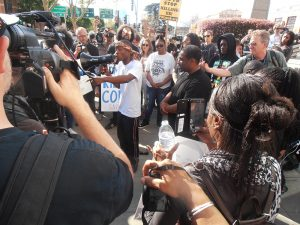 Stephon-Clark-police-murder-brother-Stevante-Clark-speaks-rally-in-front-of-courthouse-downtown-Sacramento-after-funeral-032918-by-Jahahara-web-300x225, Police murder of Stephon Clark shuts down Sacramento, National News & Views
