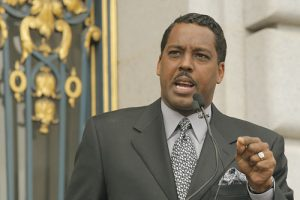 Minister-Christopher-Muhammad-at-rally-against-gang-injunctions-071207-by-John-Han-Fog-City-Journal-300x200, Death and courage at the Hunters Point Shipyard, Local News & Views