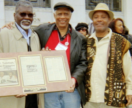 Elbert-'Big-Man'-Howard-Dr.-Tolbert-Small-Emory-Douglas-at-BPP-40th-reunion-1006, Rest in power, Elbert 'Big Man' Howard, founding father of the Black Panther Party, World News & Views
