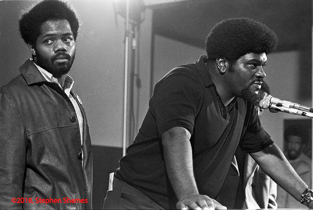 Elbert-Big-Man-Howard-leans-fearlessly-into-mic-by-Stephen-Shames, Rest in power, Elbert 'Big Man' Howard, founding father of the Black Panther Party, World News & Views