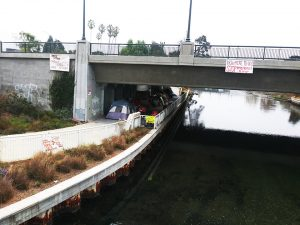 Lake-Merritt's-Homeless-Population-is-Much-Larger-Than-20-Tuff-Sheds'-more-signs-homeless-encampment-Lake-Merritt-102518-9.30am-removed-by-City-by-noon-by-Kheven-LaGrone-web-300x225, Does Martin v. Boise mean no more evictions of homeless people?, Local News & Views