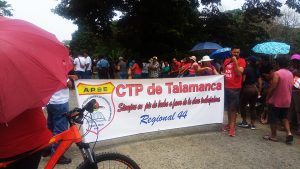 Costa-Rica-national-teachers-strike-Strikers-block-traffic-over-bridge-in-Region-44-0918-web-300x169, Parallels between national strikes, from prisoners in the US to teachers in Costa Rica, World News & Views