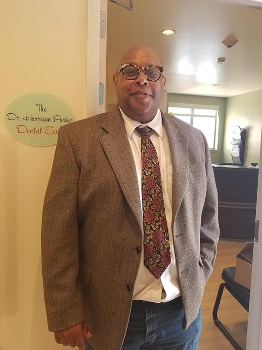 Harrison-Parker-Jr.-son-of-orig.-1960-Coleman-Medical-Center-dentist-at-event-0818-web, Celebrate Cultural Landmark designation of the Arthur Coleman Medical Center, Local News & Views