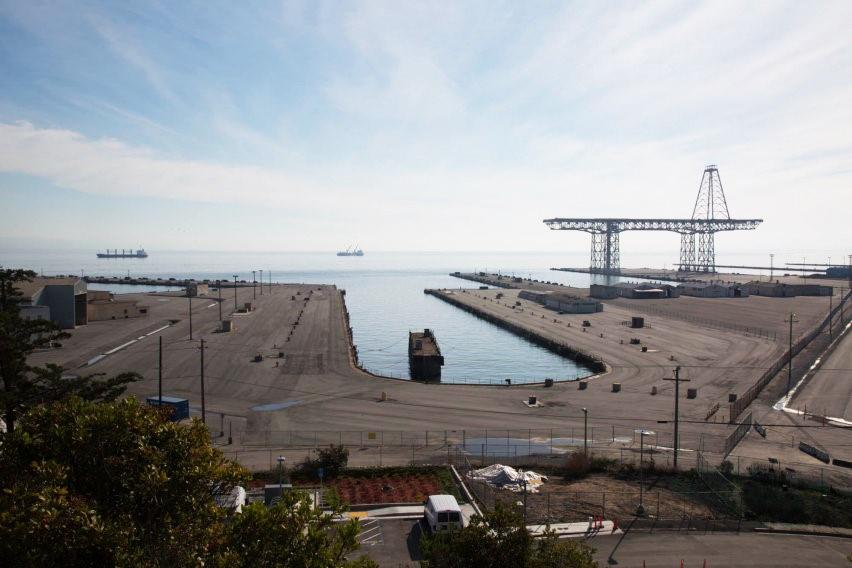 Hunters-Point-Shipyard-drydock-crane, Eyes wide open at the Hunters Point Shipyard, Local News & Views