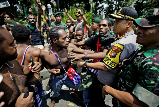 Papuan-protesters-scuffle-with-police-soldiers-at-rally-near-the-presidential-palace-Jakarta-Indonesia-by-Dita-Alangkara-AP, United Nations intervention urgently needed to stop colonial carnage in West Papua, World News & Views