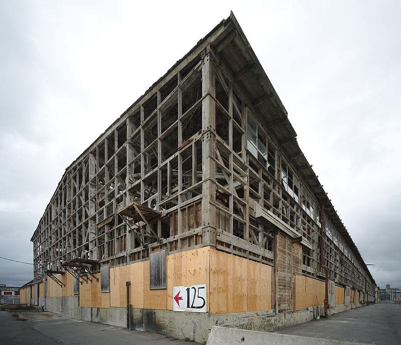 Abandoned_building_at_Hunters_Point_Shipyard_San_Francisco, Navy said to be conducting background checks on activists, Archives 1976-2008 Local News & Views