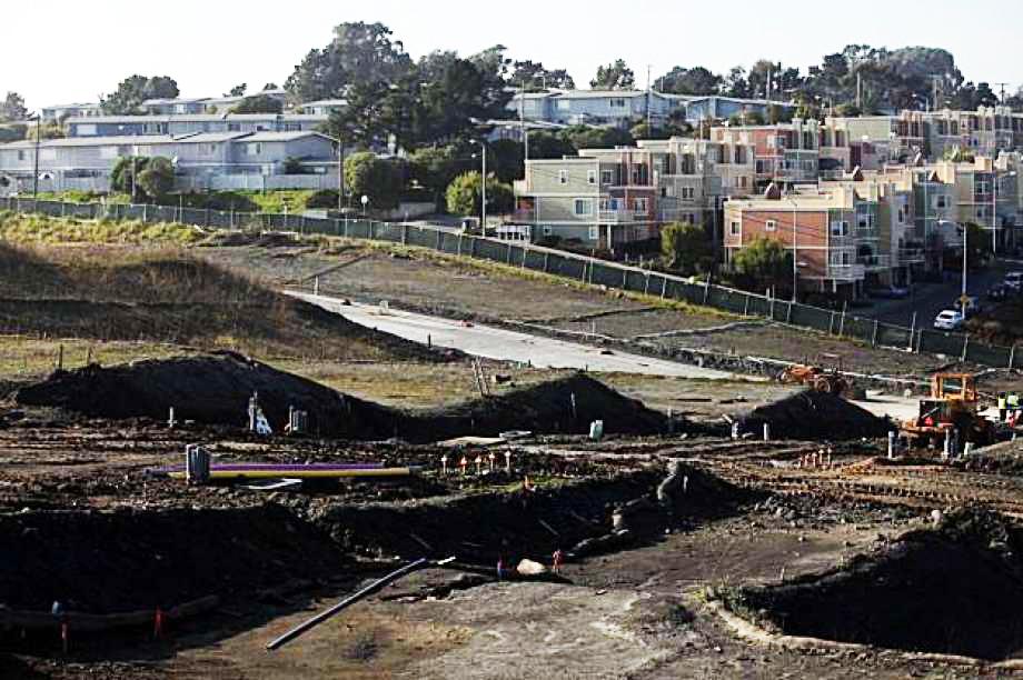 Hunters-Point-Shipyard-grading-across-fenceline-from-housing-010410-by-Liz-Hafalia-SF-Chron, HP Biomonitoring awarded Packard Foundation grant, Local News & Views