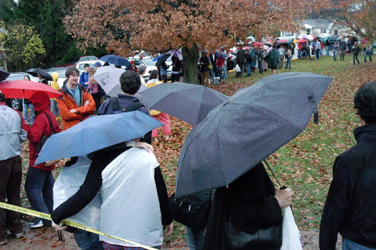 Ohio-voters-wait-outdoors-in-rain-to-vote-2004, John Kerry helped George Bush steal the 2004 election, not the Russians, the Greens or Wikileaks, National News & Views