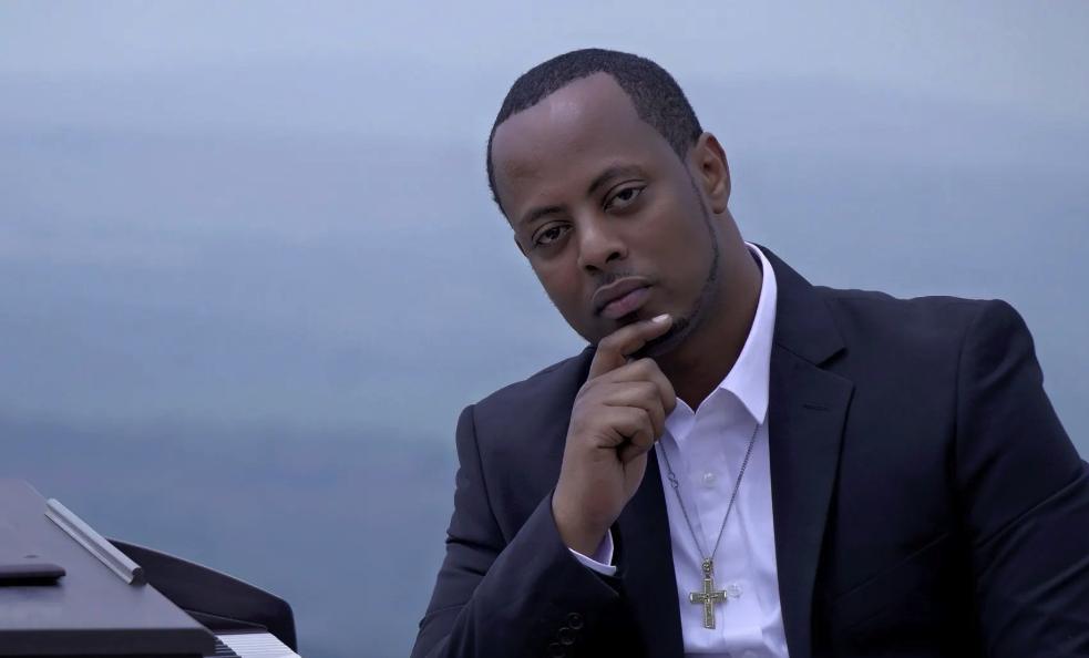 Kizito-Mihigo-at-keyboard, The shocking death of Rwandan gospel singer and dissident Kizito Mihigo, World News & Views