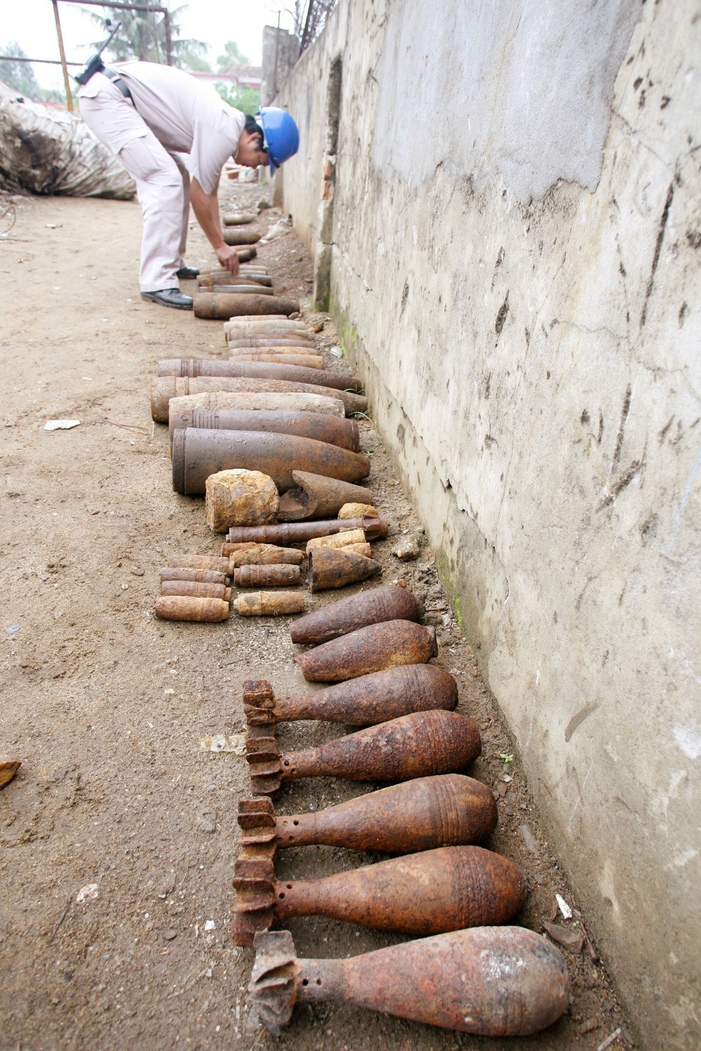 Unexploded-ordnance-Quang-Binh-Province-central-Vietnam-2007-by-Nguyen-Huy-Kham-Reuters-1, What lessons have we learned from the war in Vietnam?, World News & Views