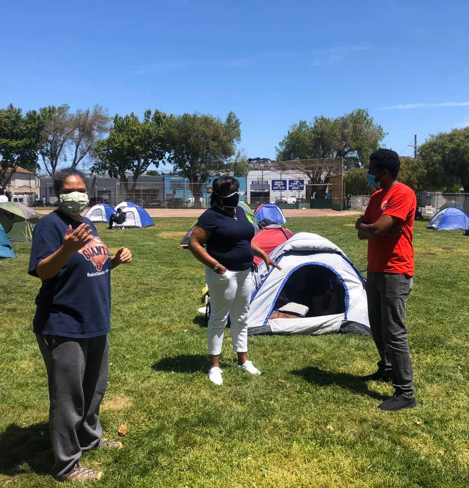 Beds-4-Bayview-Theodore-Ellington-Salvation-Army-coordinates-with-Michelle-Pierce-Gwen-Westbrook-at-MLK-Park, Community seizes MLK Park as immediate COVID relief for unhoused neighbors, Local News & Views