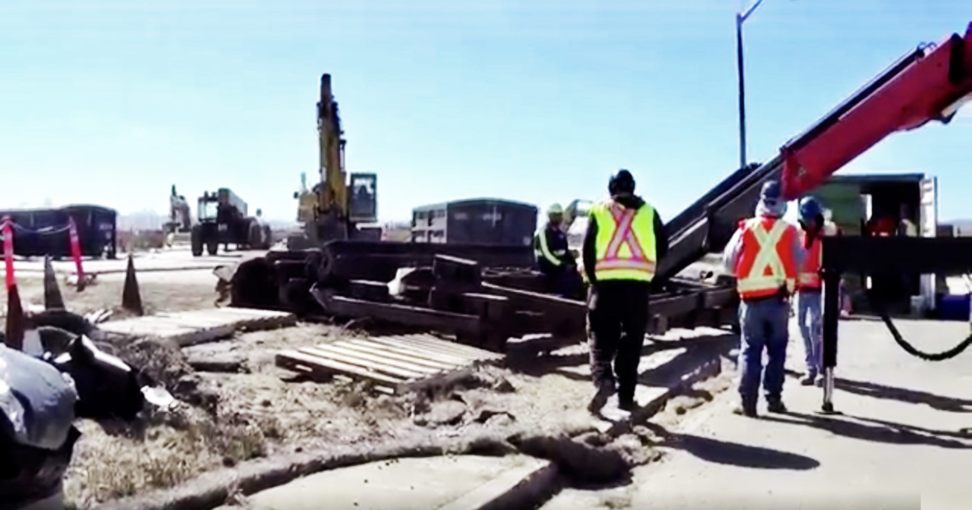 View-thru-cleanup-zone-gate-to-where-600-radiological-objects-found-in-14-ft.-hole-near-Treasure-Island-residences-by-Carol-Harvey-1400x735, Yes, there is intelligent life on Treasure Island, Local News & Views
