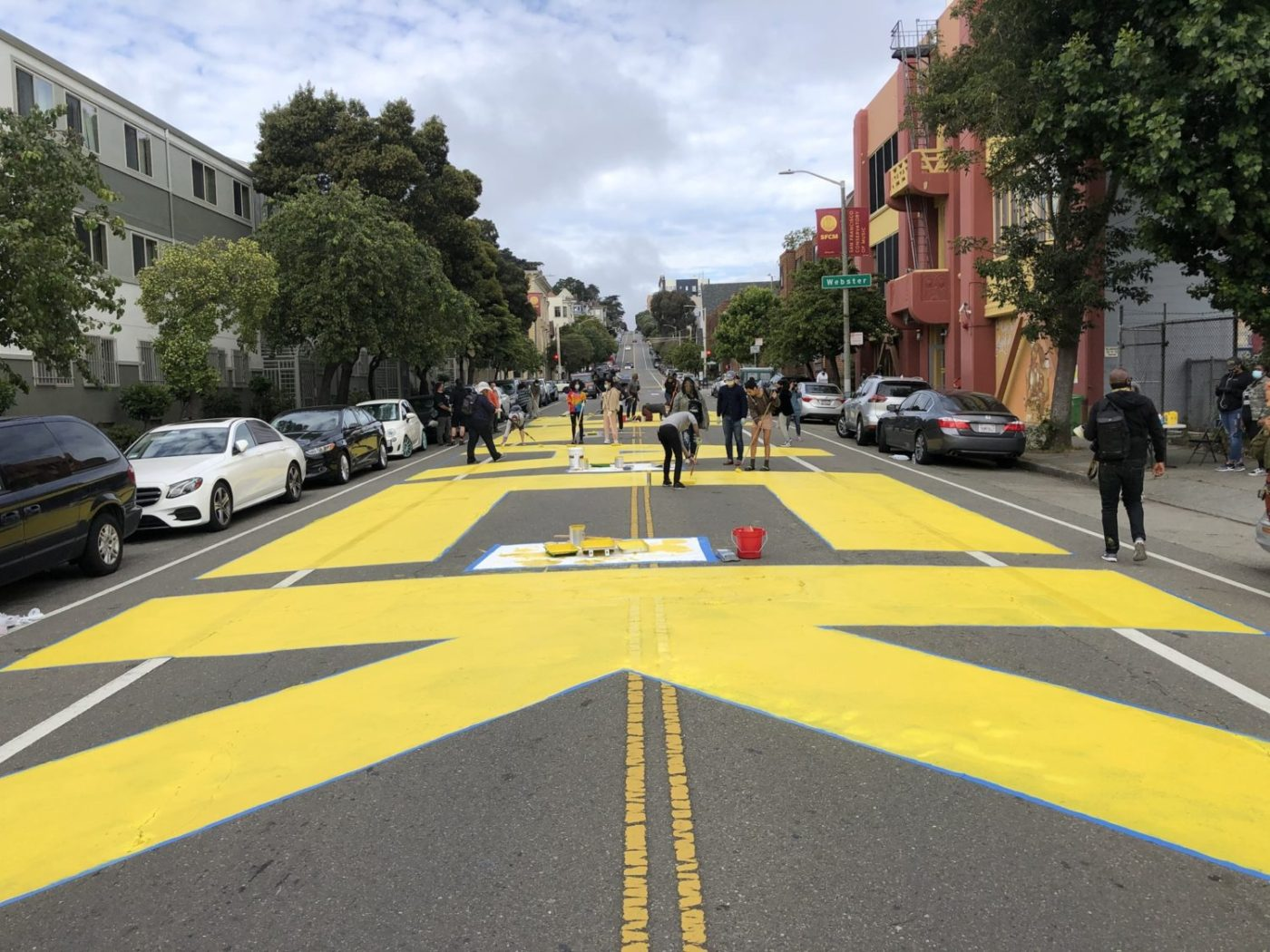 Melonie-Melorra-Green-Project-Level-lead-'Black-Lives-Matter'-700-block-Fulton-street-painting-061220-1-by-Meaghan-Mitchell-Hoodline-1400x1050, 100+ volunteers paint 'Black Lives Matter' in center of San Francisco street, Local News & Views