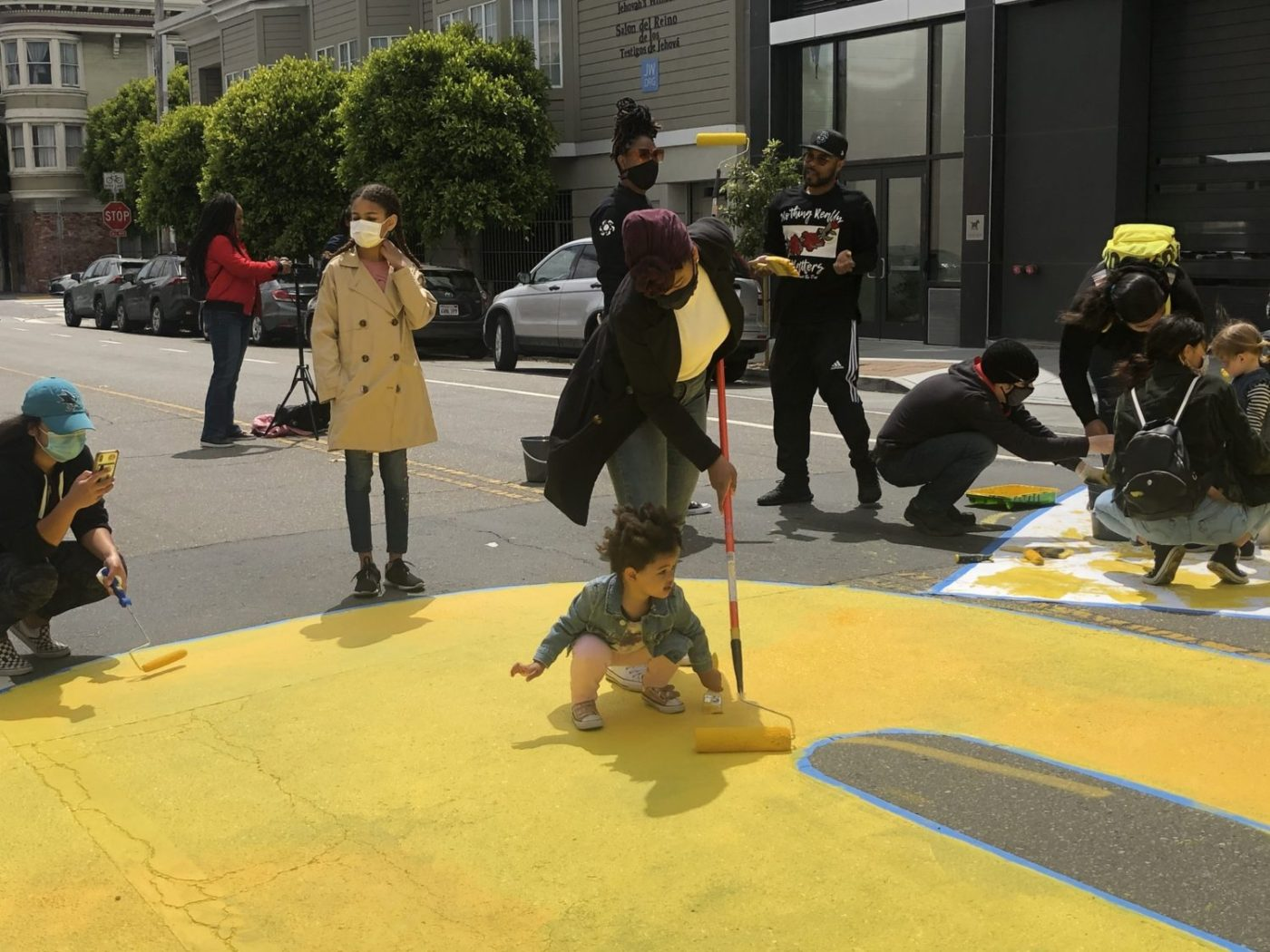 Melonie-Melorra-Green-Project-Level-lead-'Black-Lives-Matter'-700-block-Fulton-street-painting-061220-4-by-Meaghan-Mitchell-Hoodline-1400x1050, 100+ volunteers paint 'Black Lives Matter' in center of San Francisco street, Local News & Views