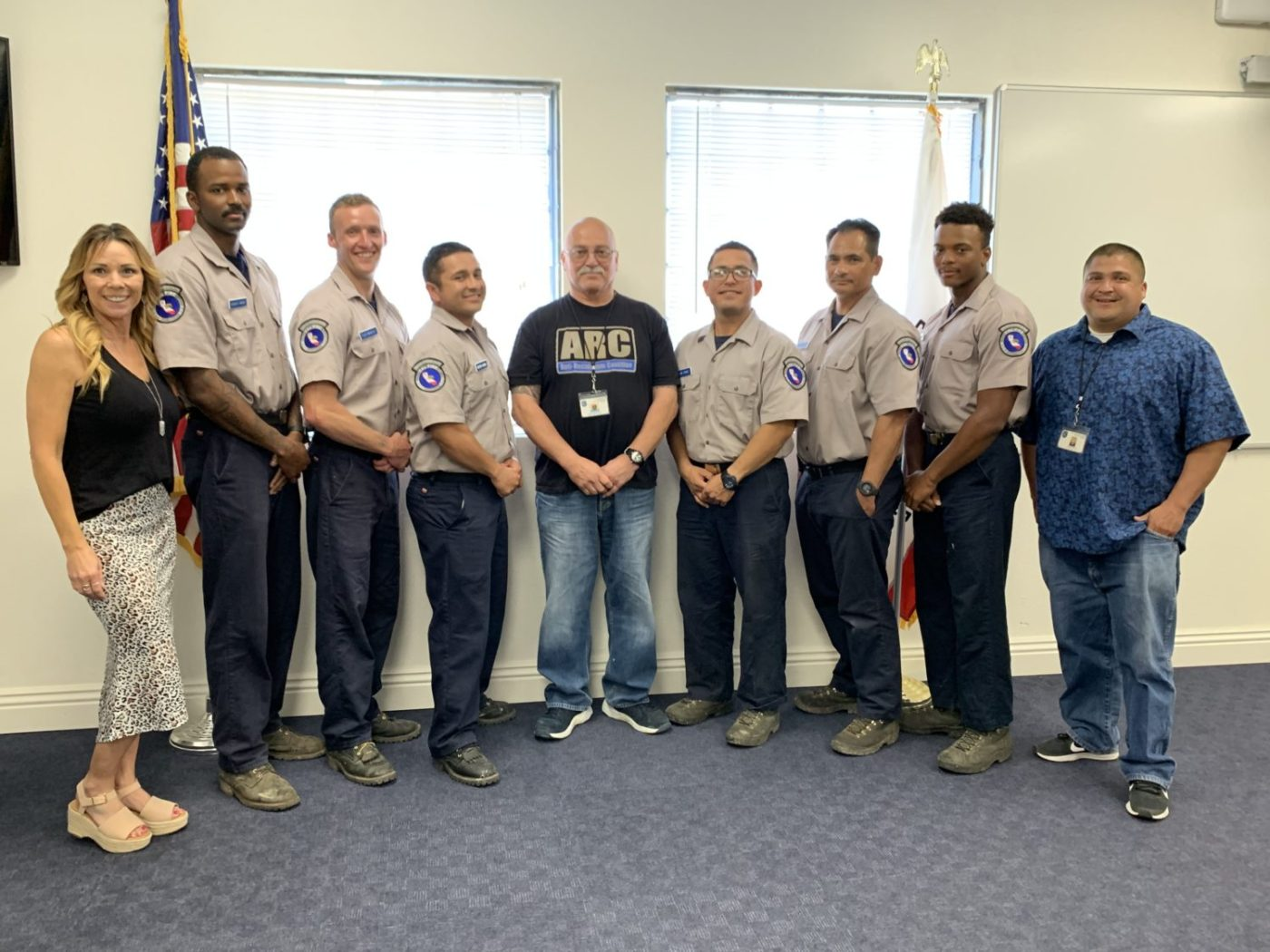 Ventura-Training-Center-Programs-Coordinator-Michelle-Garcia-with-Anti-Recidivism-Coalition-staff-formerly-incarcerated-firefighter-trainees-1400x1050, As fire season bears down on thirsty California, incarcerated crews prepare to battle flames, Local News & Views