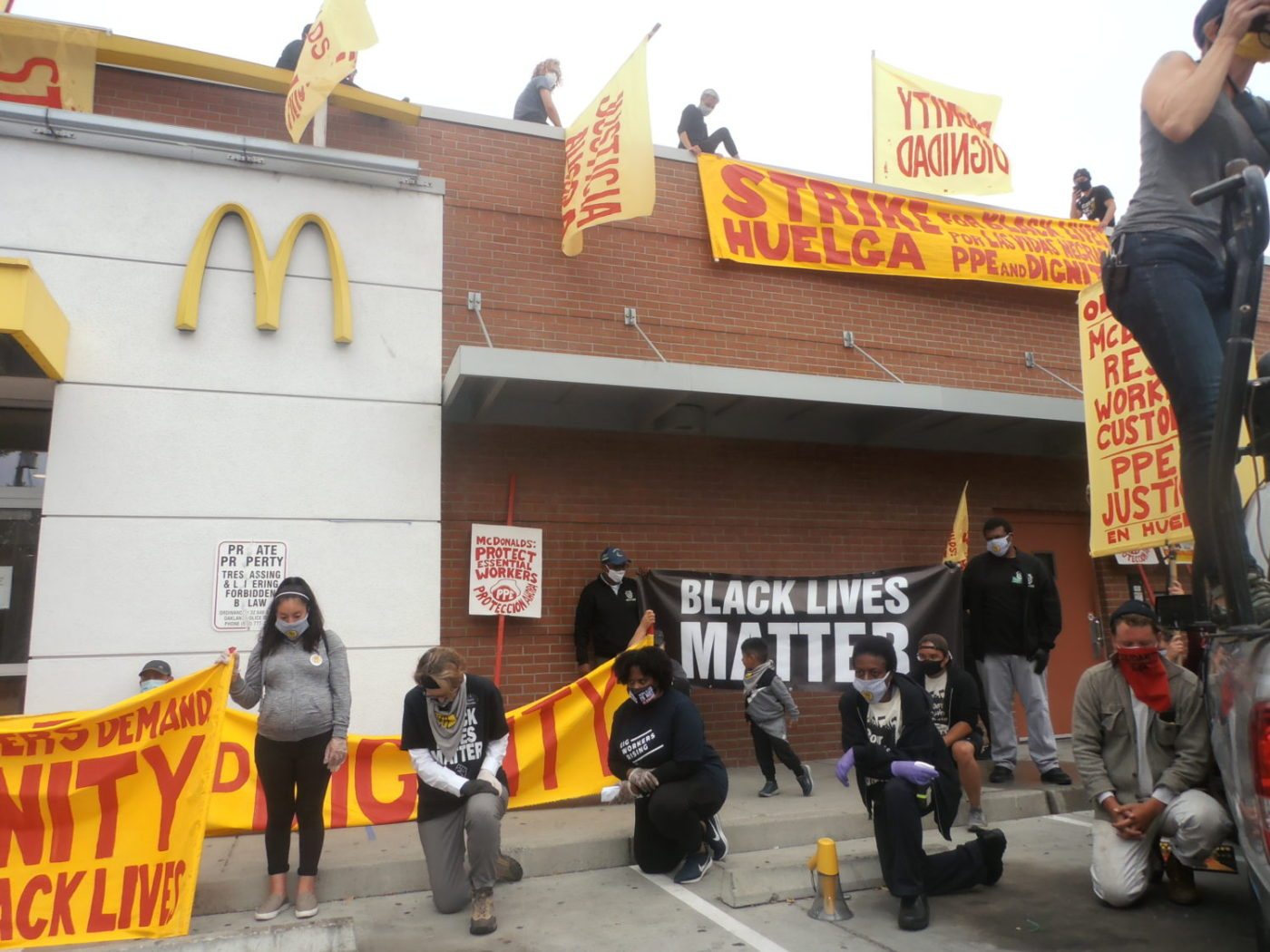 Protesters-take-knee-for-George-Floyd-Breonna-Taylor-striking-McDonalds-workers-by-Jahahara-1400x1050, Register, vote (y)our interests and continue organizing for power!, Culture Currents