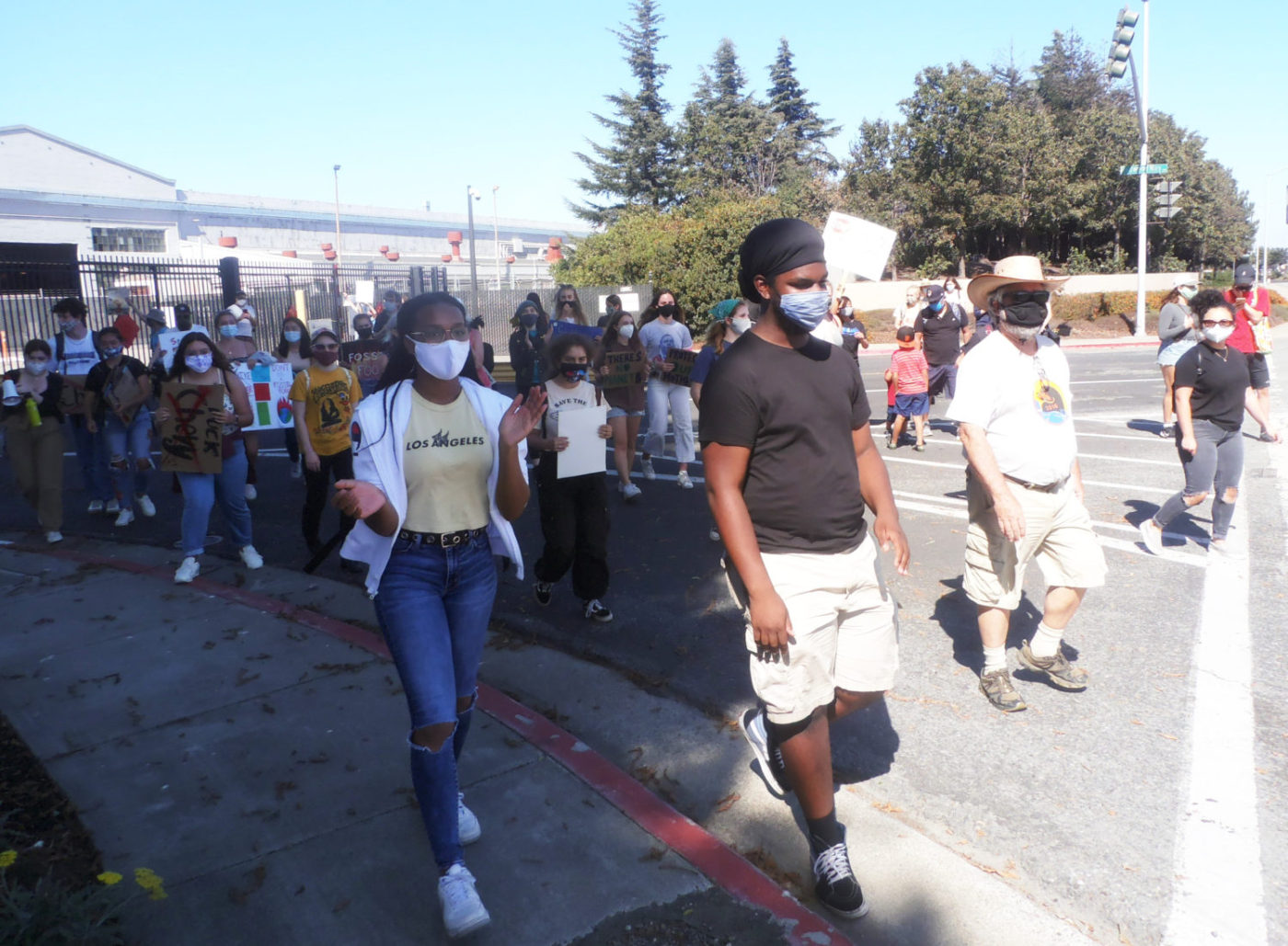 Youth-march-for-clean-environment-against-police-terrorism-in-Richmond-after-rally-at-Chevron-refinery-by-Baba-Jahahara-1400x1029, Finally! Baba Jalil will be freed!, Culture Currents