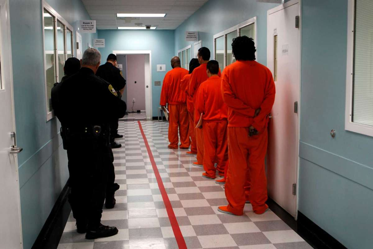 SF-County-Jail-No.-5-San-Bruno-deputies-escort-prisoners-from-classes-to-cells-2012-by-Paul-Chinn-SF-Chron, Never out in the sun: City fights order that SF County Jail prisoners have access to sunlight, Local News & Views