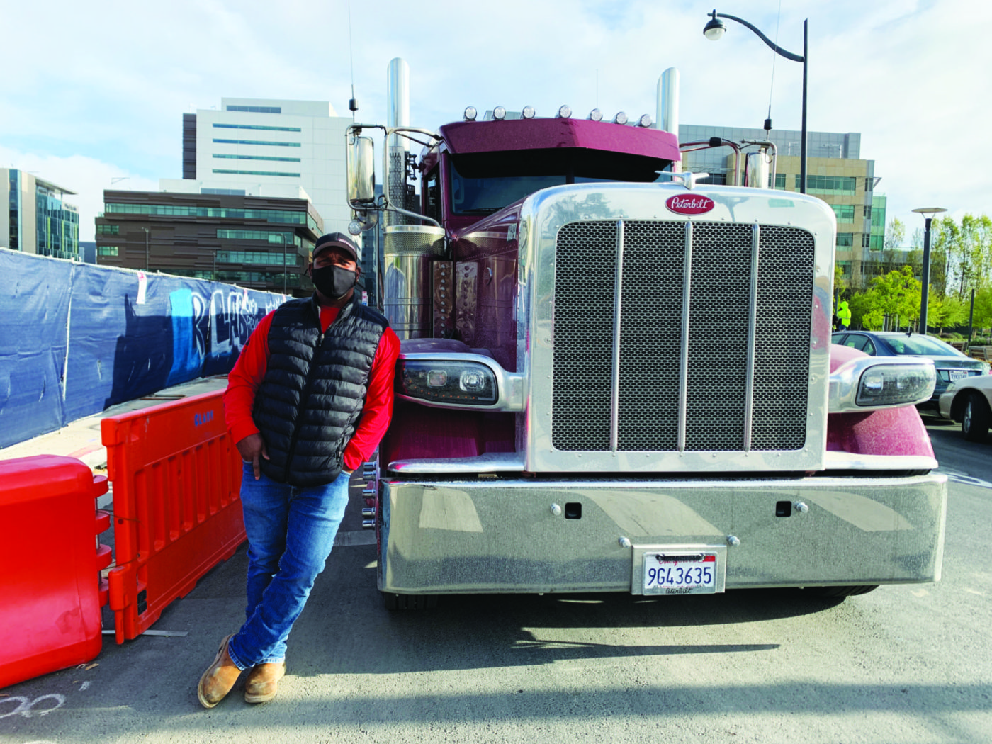Michael-Gregory-and-truck-UCSF-job-site-shutdown-043021-by-Griffin-1400x1050, Black truckers shut down multi-million-dollar UCSF job site for 4.5 hours, Local News & Views