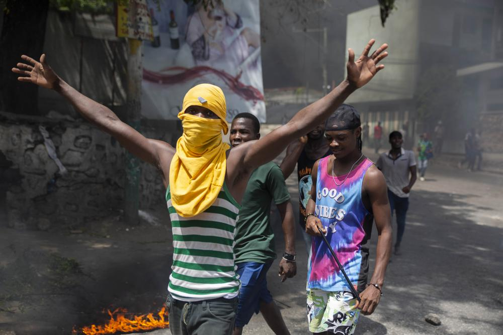Haitians-protest-near-the-Petion-Ville-police-station-in-Port-au-Prince-070821-by-Joseph-Odelyn-AP, The assassination of Jovenel Moise: The US-backed PHTK dictatorship marches on, World News & Views