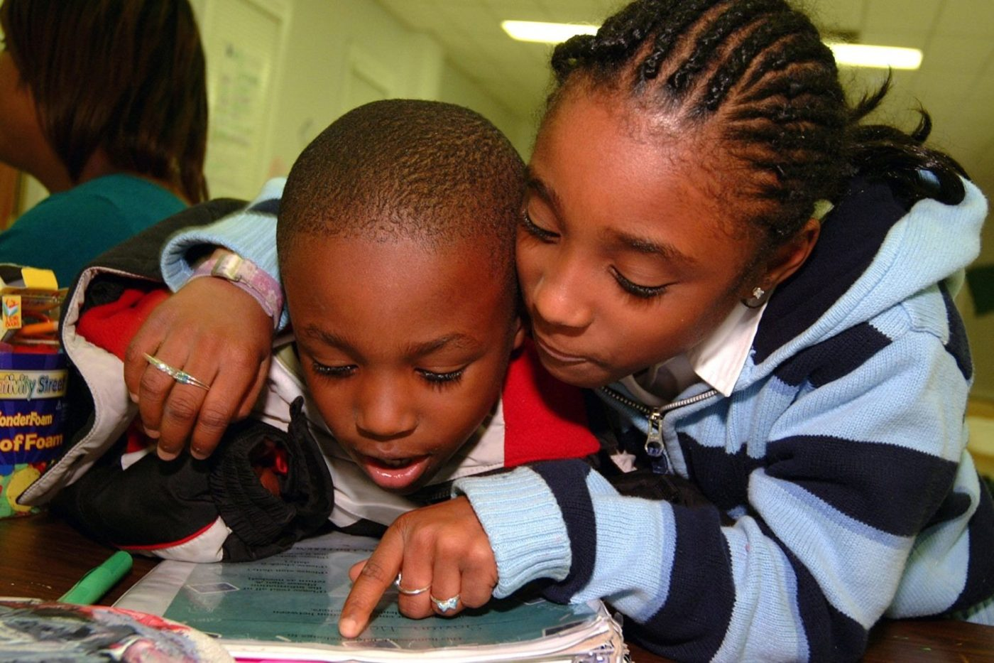 Older-and-younger-child-reading-together-by-Childrens-Defense-Fund-Freedom-Schools-082815-1400x933, California Reading Report Card: Nine Bay Area school districts at bottom of list, Local News & Views