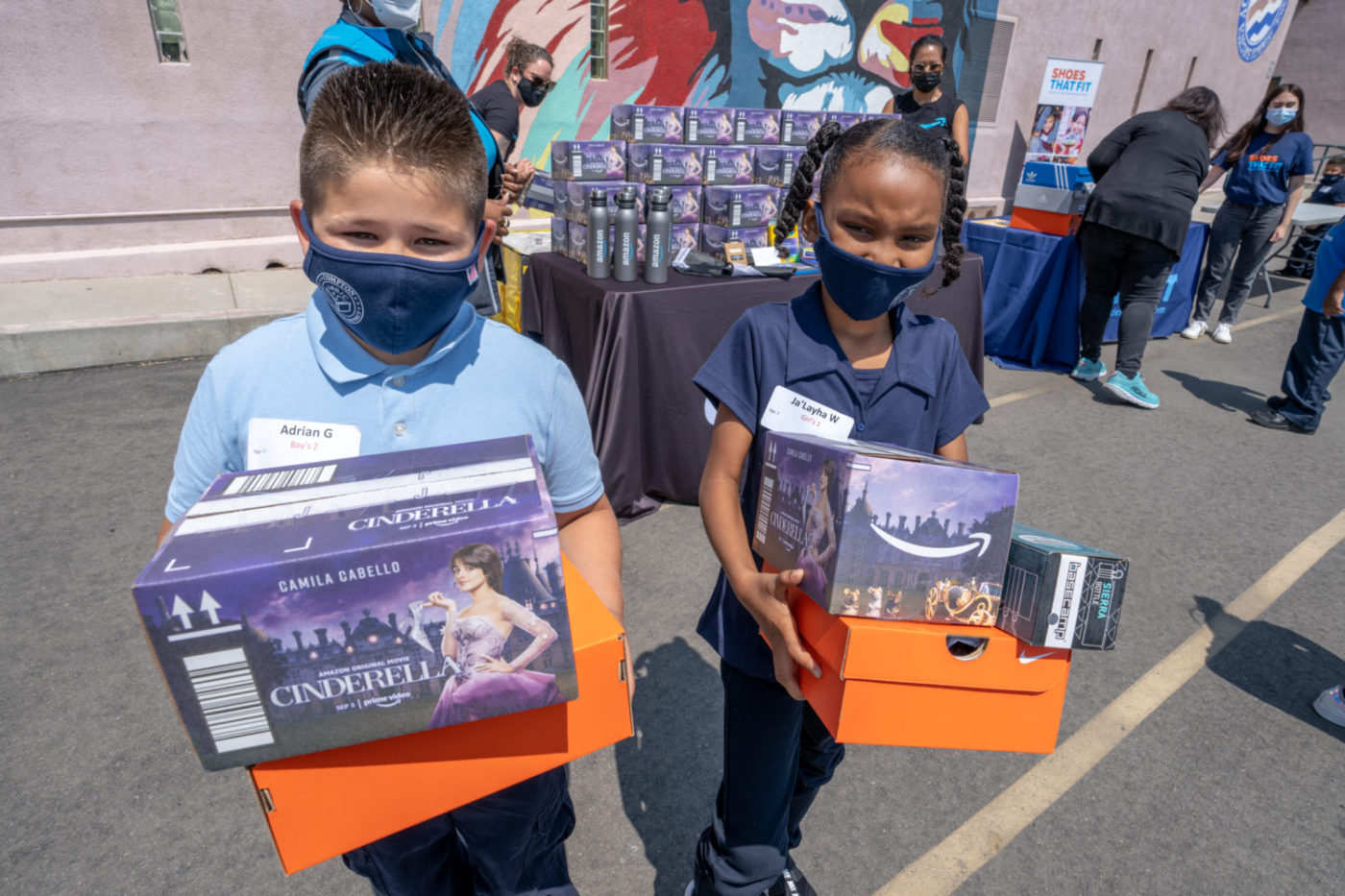 Students-at-Bret-Harte-Elementary-in-Bayview-receive-Cinderella-stuff-from-Amazon-091321-1400x933, Daphne Young's eye on education: 'What's going on?', Local News & Views